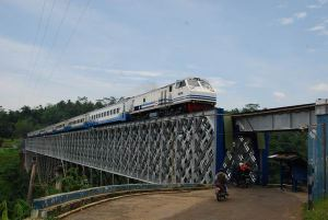 Jembatan Cirahong dan Letusan Dahsyat Gunung Galunggung